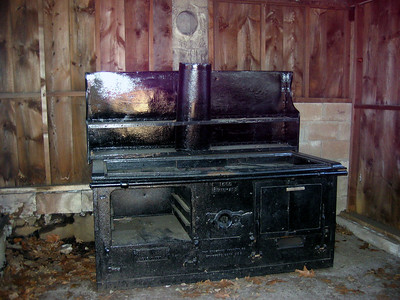 A neat old stove near the BBQ pit