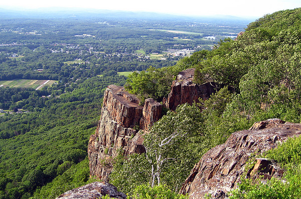 Metacomet-Monadnock Trail, hike 2: Mass Pike to Connecticut River: June 24