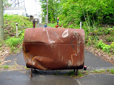 You don\'t often see oil tanks while hiking