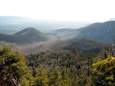 Looking into the bowl with Wonalancet and a side of Whiteface on the edges