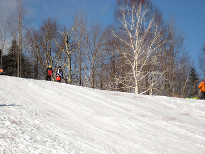 Sledding hill on Route 302 (thanks to Boo and Madhatter for letting us know about this great hill!)