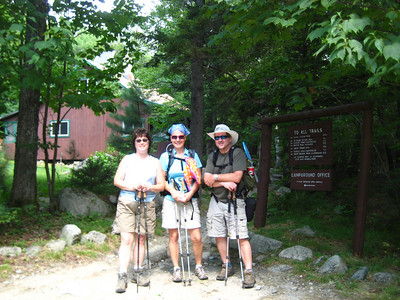 On Friday, Kaboose, Lori and HikerBob dragged me partway up the Chimney Pond Trail.