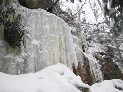 The ice wall above Cloudland Falls