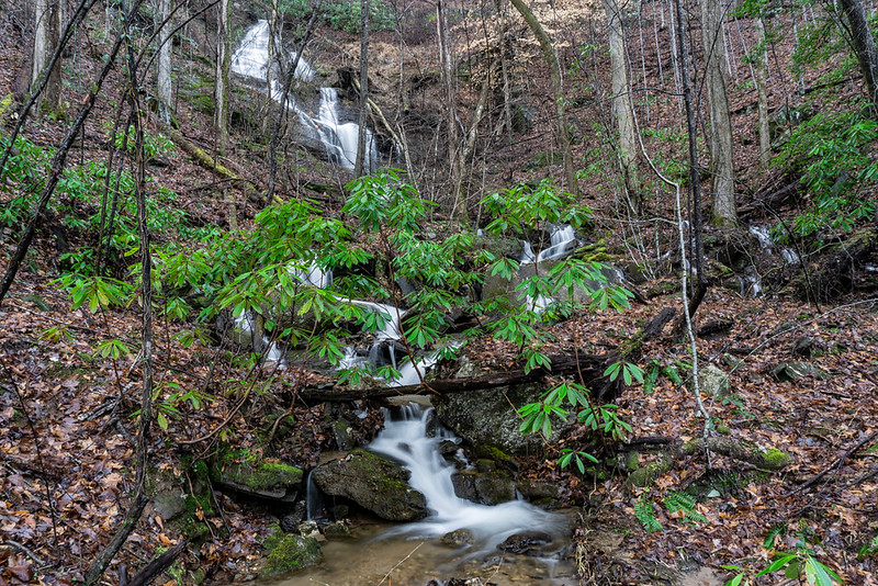 The stream coming down the mountain from the left is this waterfall.
