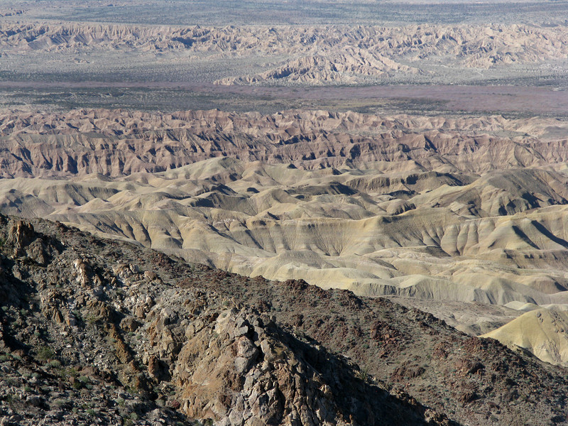 another view of the badlands, zoomed in a bit