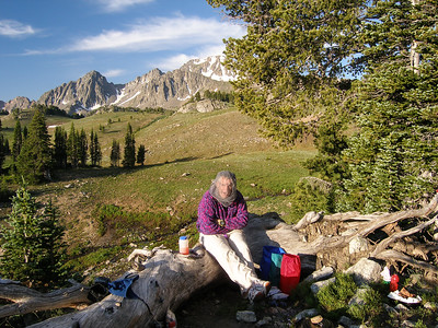 The next morning, time to cook breakfast before we take a nice day hike thru the Basin.