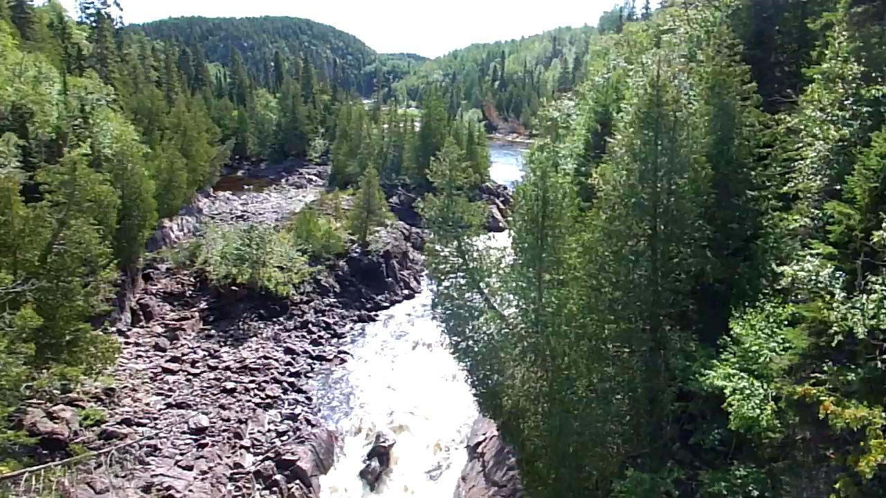 Video of Chigaamiwinigum Falls