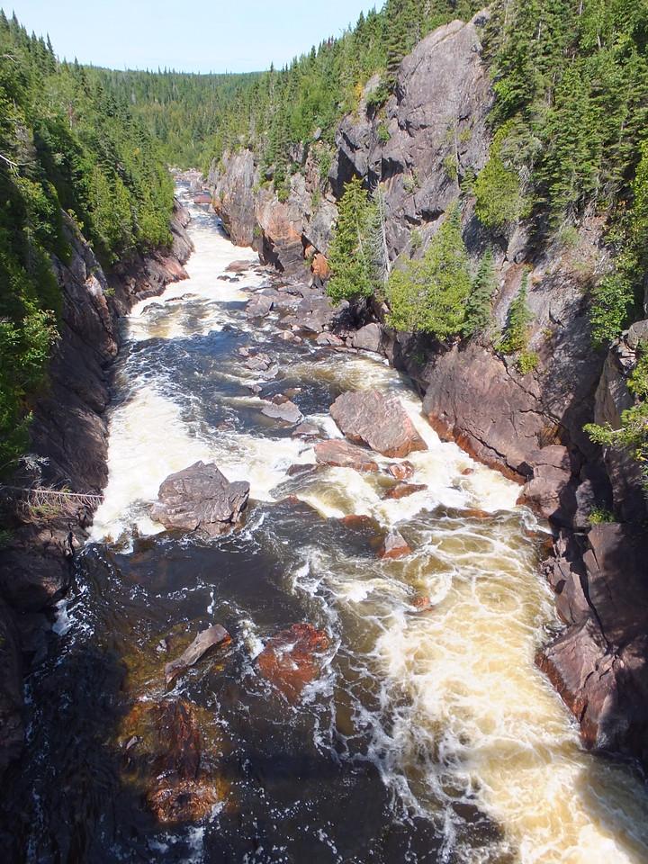White River at Chigaamiwinigum Falls