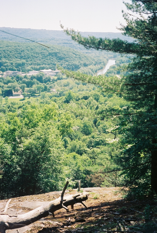 Looking south over the Housatonic from Kelley's Slide.  <br /> Candlewood Mountain / Housatonic Trail  <br /> New Milford, Connecticut