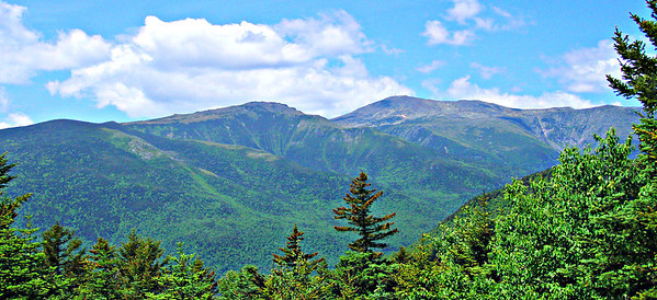 From the Halls Ledge picnic table: Boott Spur and Mt. Washington.