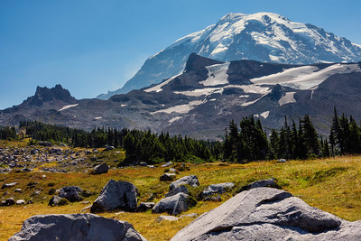 Echo Rock (L) and Observation Rock (R) on the north side of Mt Rainier