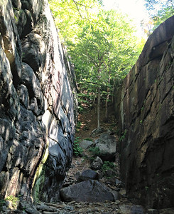 Mini canyon on far side of Pitcher Falls.