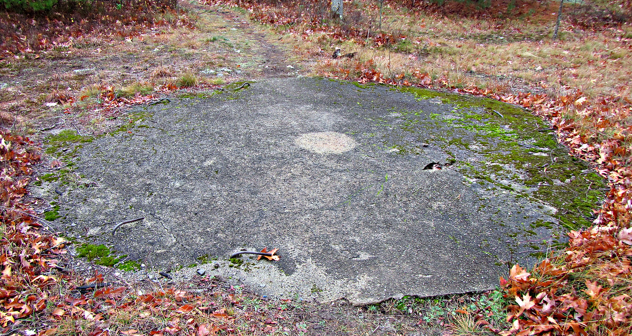 An AA gun was here, at the 90 mm Site.
