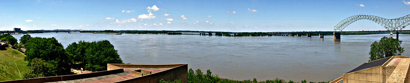Looking west to Arkansas from Mud Island, at the end of the pedestrian bridge.