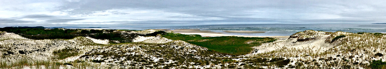 The Atlantic, from the east end of Castle Neck.