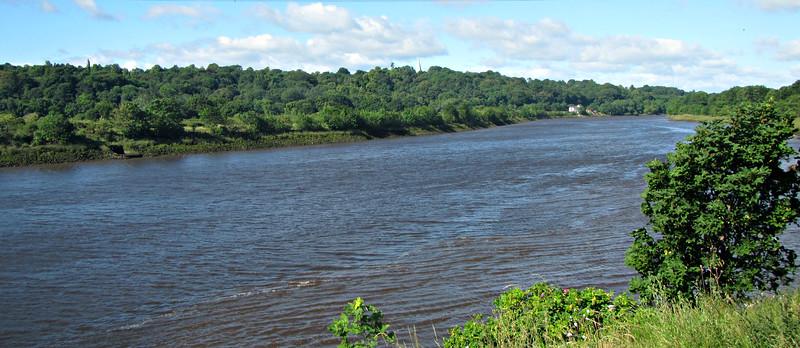 The River Tyne, near our Sunday morning start.