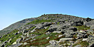 Approaching the summit of Nelson Crag.