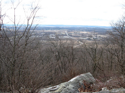 View south into Wind Gap from Hahn's Lookout.