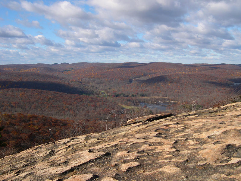 Views to the west during the descent of Bear Mountain