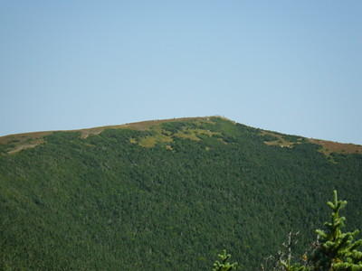 The rock cairns are clearly visible in the section above treeline