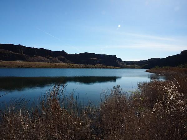 Ancient Lakes Hike 4-16