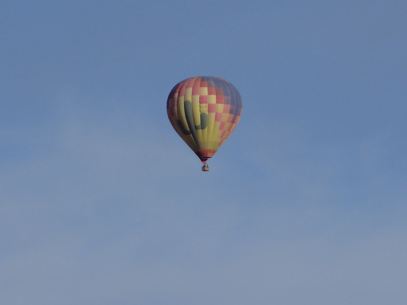 Balloons from the Valle Verde Trail.