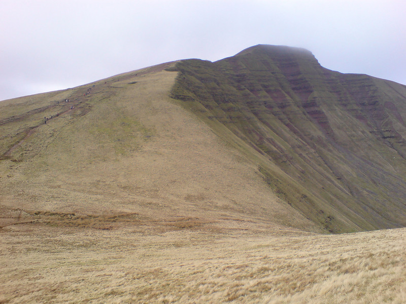 Looking back at Cribbin after descending to the Bwlch