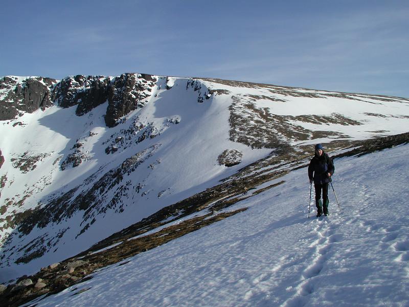 crossing above Coire an Lochan towards Lurcher's Crag