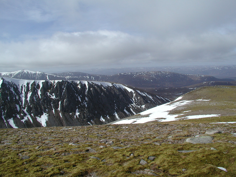 looking North-West across the Northern end of the Lairig Ghru