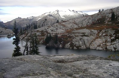 Mt. Daniel and Robin Lakes in the morning. We're fooled into thinking it might be a clear day.