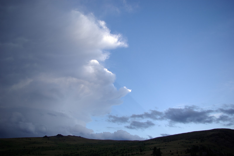 """On Monday afternoon, the """"unseasonable"""" storm began to arrive in the Okanogan country"""