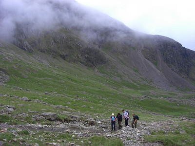 Nicci, Tim, Andy and Rich approaching Lingmell Col