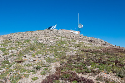 Approaching Kuss summit and communication equipment