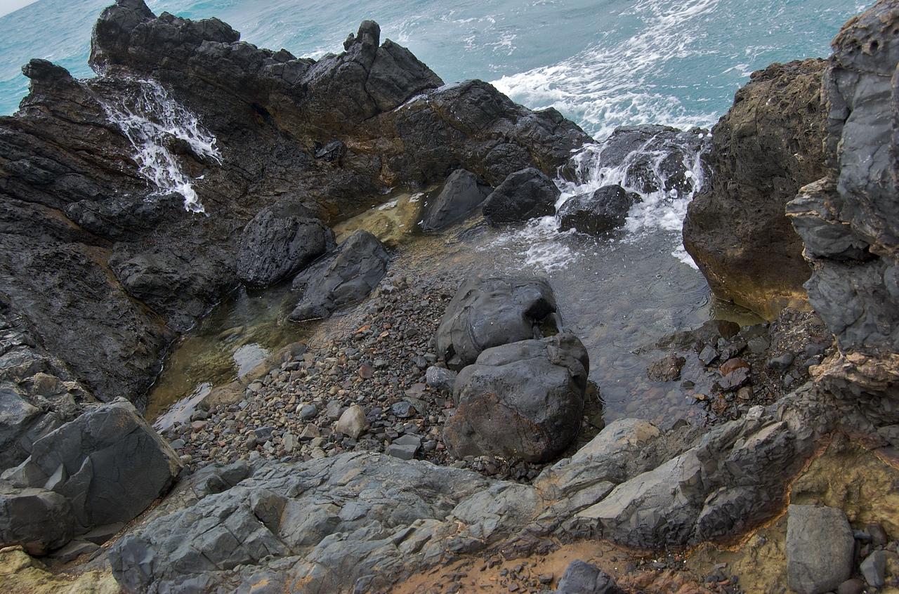 "Tidal Pool - The Mokes (slang for the Mokulua Islands (""Twin Islands""))"