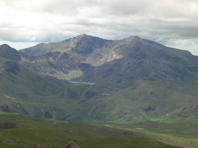 The Snowdon massif seen from Carnedd Moel Siabod.  The junction of the Miners and PYG tracks is clearly visible in the sun on the slopes of the Glaslyn corrie