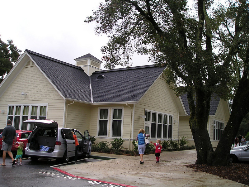 The Sierra club met at the Woodside school to carpool. Isn't this a gorgeous school? I know houses that aren't this nice. Jerry Rice's kids are rumored to have attended this school.