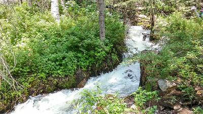 Nice cascades on the lower stream