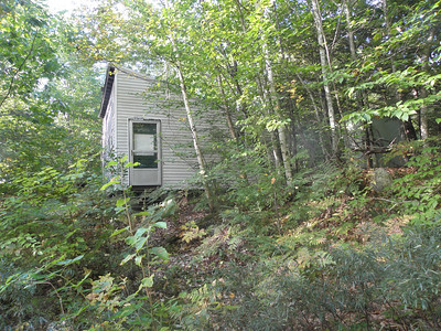 Surprise cabin along the snowmo trail