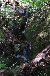 A little chute near the trail