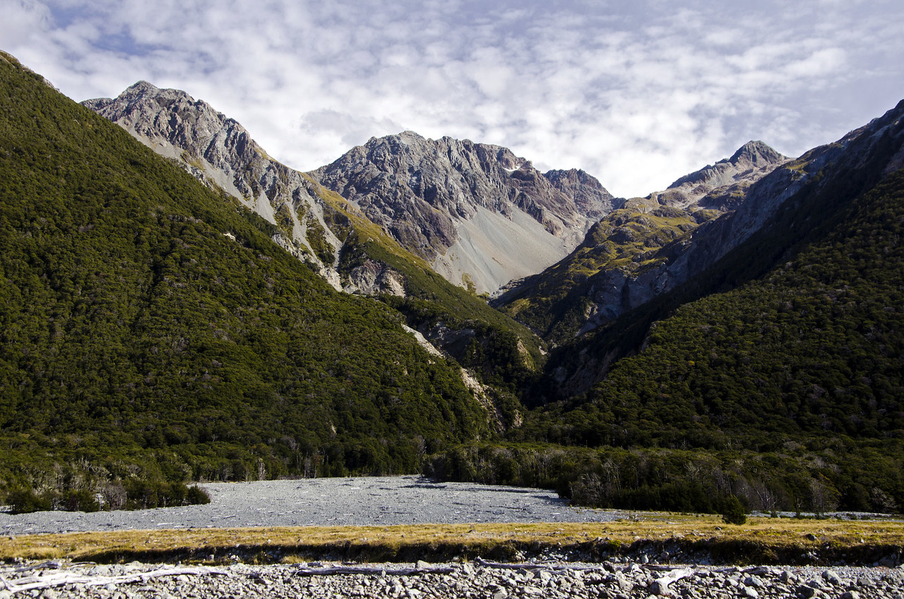 I'm pretty sure this is a look up Greenlaw Creek from the Waimak Valley.