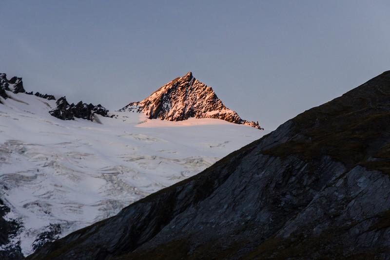 Evening alpenglow on Mt Tyndall