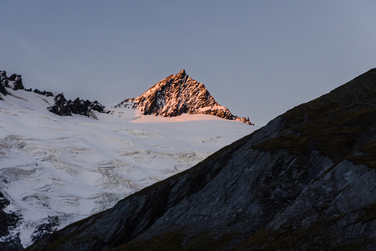 Evening alpenglow on Mt Tyndall