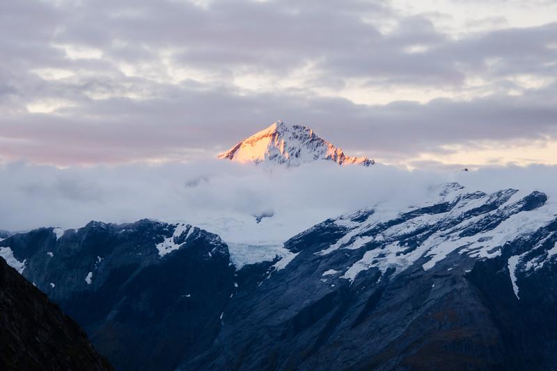 Mt Aspiring alpenglow