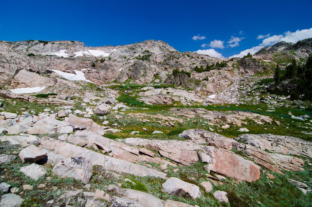 Dropping down toward Erratic Lake