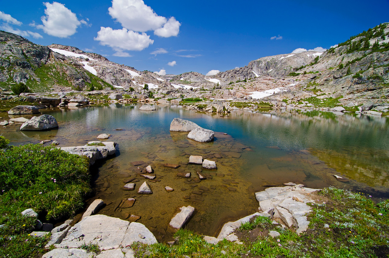Some unnamed water between Erratic Lake and Robble Lake