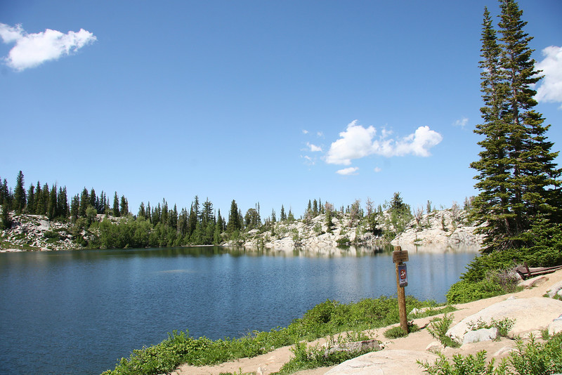 Next 12 pictures or so, are Lake Mary. A very very beautiful spot, at about 9500 ft or so, 1.1 miles up the steep early part of the trail.