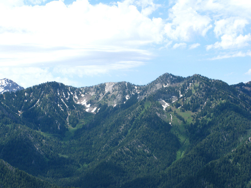 From peak toward Big Cottonwood Canyon ridgeline...