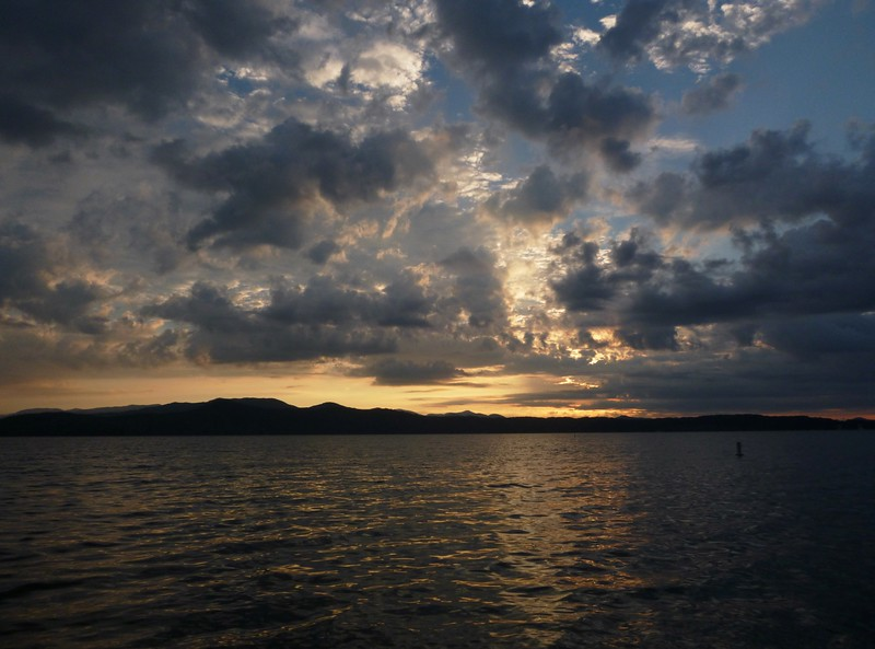 Early Morning on Lake Jocassee