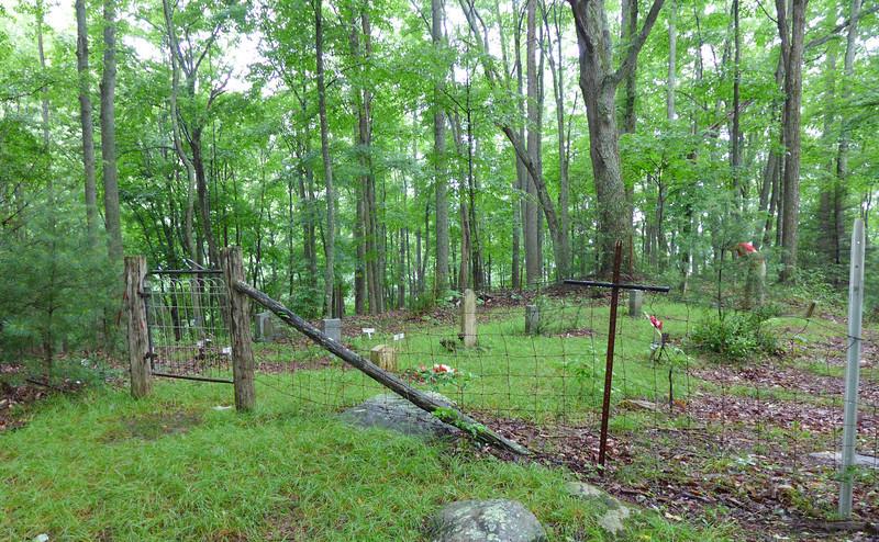 Lost Cove's Cemetery