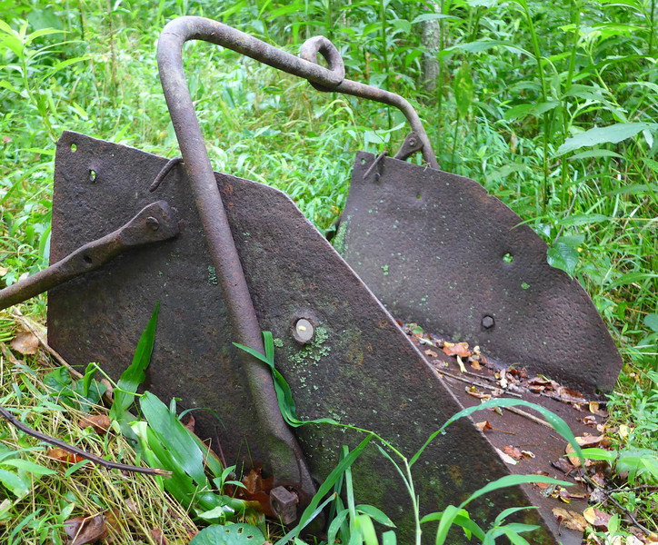 <h1>Another View</h1>...of the old backhoe.